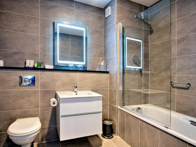 bathroom-sandymount-hotel